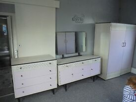 Retrol Bedroom Furniture