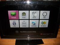 "32"" LG SMART 3D TV"