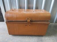 VINTAGE METAL CHEST - RUSTIC LOOK - IDEAL FASHIONABLE STORAGE - ONLY £20
