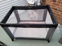 Hakke Travel Cot