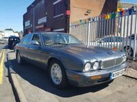 Daimler XJ Series 4.0 V8 LWB CLASSIC BRITISH MOTOR Good condition inside out 2000