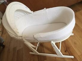 Shnuggle White Breathable Moses Basket with Rocking Stand