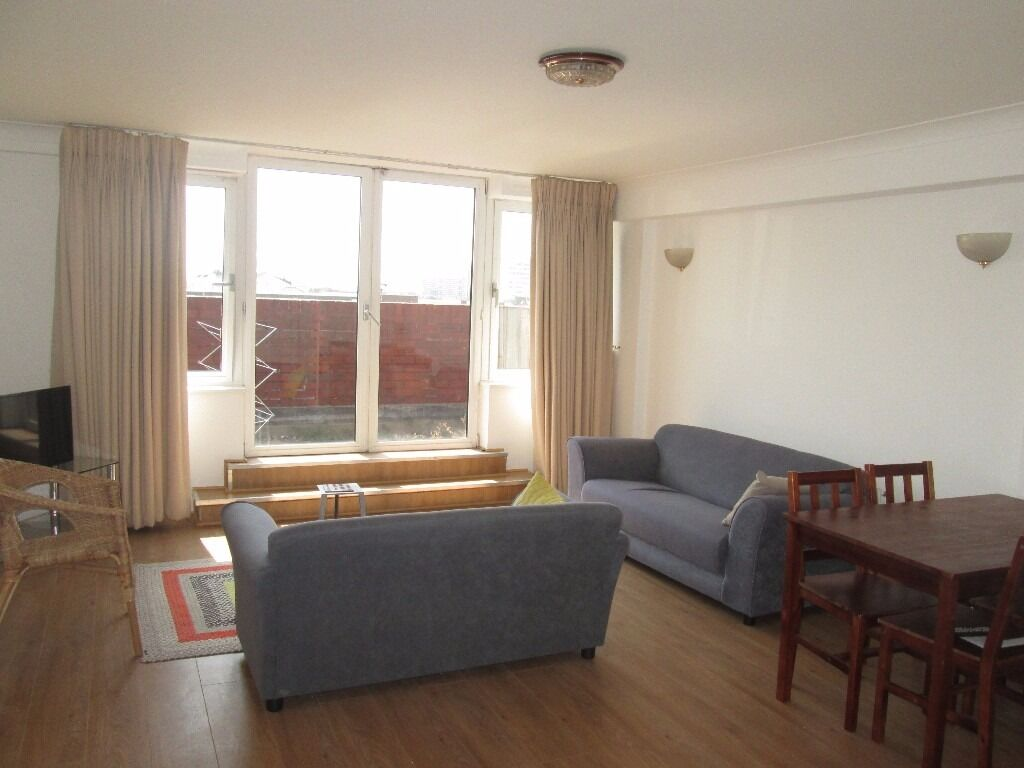 Short Term / St Johns Wood / central London / A very large 3 bedroom 2 bathroom apartment