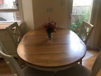 Beautiful Solid Oak Top Extendable Dining Table and Matching Upholstered Chairs