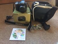 FUJIFILM FINEPIX SL300 CAMERA AND CASE