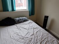 NO DSS!!!SINGLE ROOM FOR RENT IN ASHTON UNDER LYNE. CLOSE TO HOSPITAL AND TRANSPORT. ALL BILLS INC