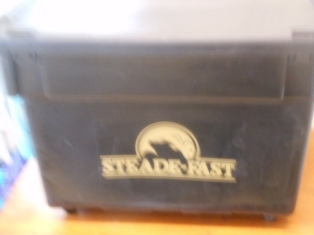 Steade-Fast Fishing Box with shoulder strap and bait boxes