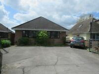 4 bed bungalow with Driveway/Garage Garden Lounge-Diner Kitchen Utility WC 4 Double Beds & En-suite
