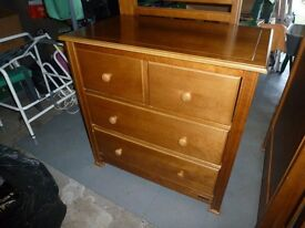 EXCELLENT QUALITY CHEST OF DRAWERS in GOOD CONDITION