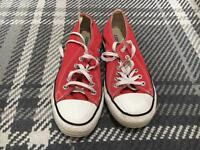 CONVERSE RED size 6