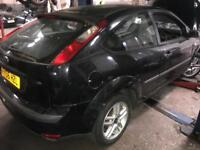 Ford Focus Mk2 3 door black breaking for spares 2005 06 07