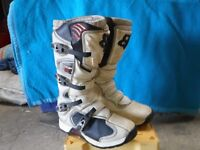 Motorcycle boots Fox comp 5, white/black . size euro 45