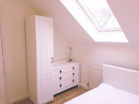 1 Bedroom furnished lovely en-suite flat St.Columb Major. Includes bills, parking, court yard & shed