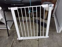 no 8 babystart stair gate with all the fittings ready to use