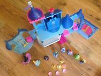 Cinderella magiclip playset, various princess playsets and Cinderella colour changing night light