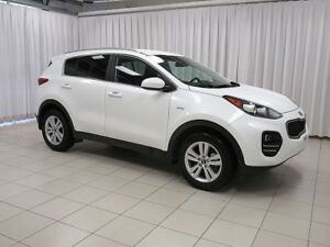 2018 Kia Sportage AWD SUV  LOW KILOMETERS AT A GREAT PRICE !!  w