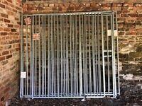 Dog run panels £200 ovno