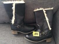 Ladies Caterpillar boots size 7 NEW
