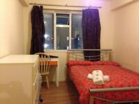 (31.3) Cozy double room near Shadwell DLR and Over ground Station - @@@ No FEE @@@
