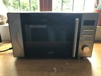 Delonghi Microwave in Excellent Condition
