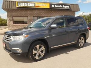 2012 Toyota Highlander Sport 4WD Peterborough Peterborough Area image 1