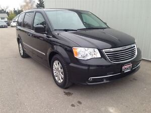2016 Chrysler Town & Country TOURING |