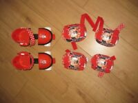 MINNIE MOUSE ADJUSTABLE ROLLER SKATES from 3 years + with knee pads & elbow pads FABULOUS - REDUCED