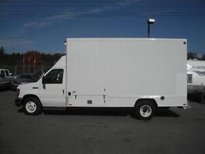 2008 Ford Econoline E-450 Sleeper Study Cube Van with Generator