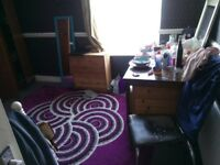 Fully Furnished double and single rooms to let in a house