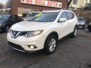 2015 Nissan Rogue SV New tires, panoramic roof, surround view...