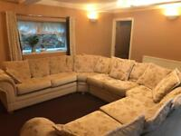 BESPOKE LARGE SUITE TO CLEAR IN VGC FOR £275!!!!