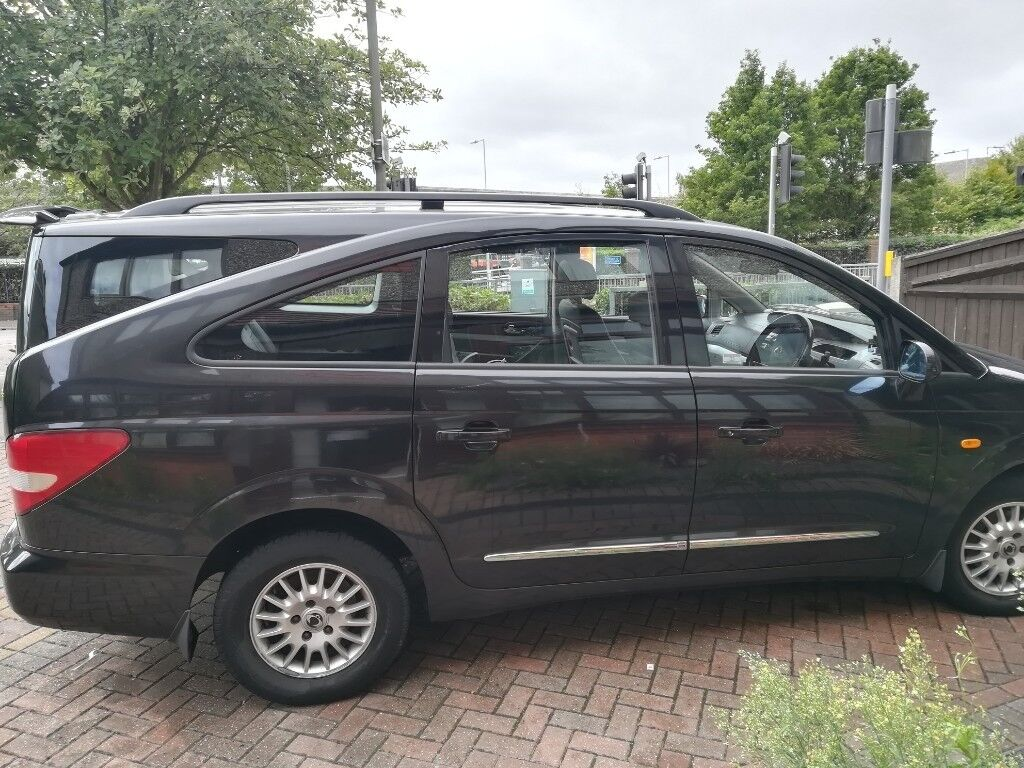 Ssangyong Rodius 7 Seater Black MPV For Sale