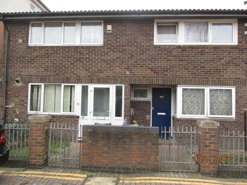 1 bedroom in Corry Drive, Brixton, London SW9