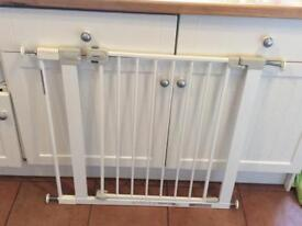 Safety 1st U fit pressure fit gate with extension