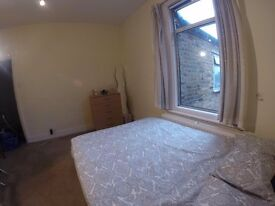EAST LONDON ROOMS AVAILABLE NOW - MILE END - BOW ROAD