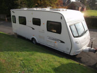 LUNAR CLUBMAN SI ISLAND BED, 4-BERTH TOURING CARAVAN WITH MOTOR-MOVER