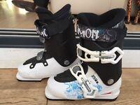 Girls Salomon ski boots size 22