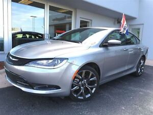 2015 Chrysler 200 S LEATHER!!! SUNROOF!!!