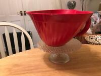 M & S heart shaped melamine 2.5 litre jug or can be used as bowl