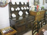 QUALITY ELM 'ERCOL' OLD COLONIAL DRESSER. TOP DETACHABLE. IDEAL PAINTED IF DESIRED EFFECT.DELIVERY