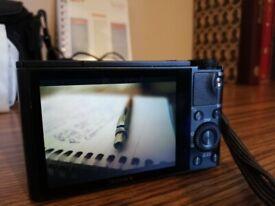 Nikon D5200 + Battery Grip, 4 Batteries, Charger, Lens kit