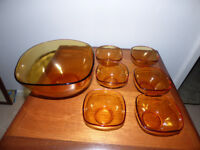 Glass Bowl & 6 dessert bowls - Amber in colour