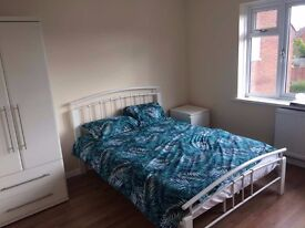 "Newly furnished large double room (12'0""×11'3&) @ £550 at Grange road, Not for couple! GU2 9QQ"