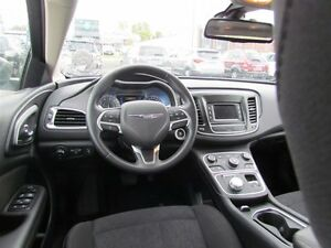 2016 Chrysler 200 Limited | ONE OWNER | HEATED SEATS | SAT RADIO London Ontario image 10