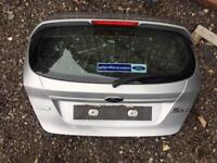 2015 Ford Fiesta bootlid in silver