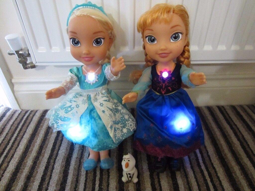 Disney Frozen Snow Glow 2 SINGING Anna and Elsa dolls