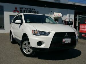 2011 Mitsubishi Outlander ES 4WD; Local vehicle! Heated seats!