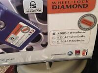 Diamond wheel locks