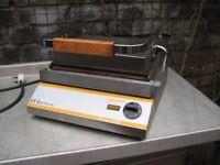 R.V.Rutland CG301 commercial Contact grill, serviced.