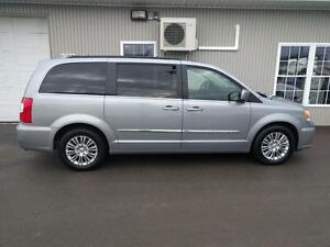 2015 Chrysler Town & Country Touring with leather $83/WEEKLY
